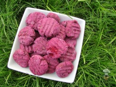 (wheat, gluten dairy-free) blackberry bacon dog treat/biscuit recipe