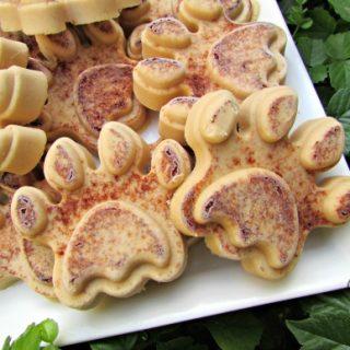 (wheat, gluten, grain and dairy-free, vegan, vegetarian) frozen peanut butter apple dog treat recipe