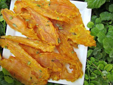 turmeric thyme chicken jerky