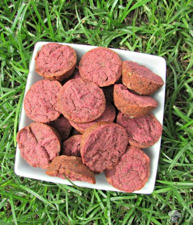 (wheat, gluten, grain, dairy-free, vegan, vegetarian) apple beets dog treat/biscuit recipe
