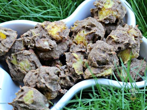 (gluten, wheat and dairy-free, vegan, vegetarian) banana mango dog treat/biscuit recipe