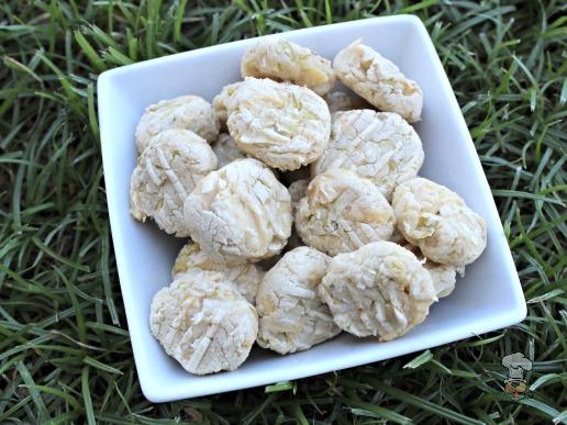 (gluten, wheat and dairy-free) rosemary apple chicken dog treat/biscuit recipe
