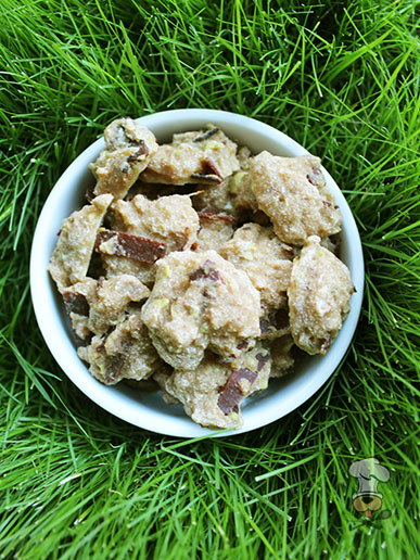 (wheat and dairy-free) apple turkey bacon dog treat recipe